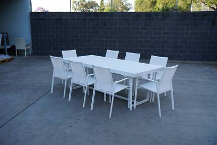 CLEARANCE SALE - THIS WEEKEND! ELITE OUTDOOR DINING SET