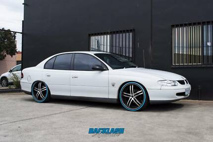 Wrecking 1999*vt commodore