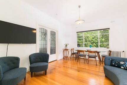 Fully Furnished Art Deco Apartment in Elwood
