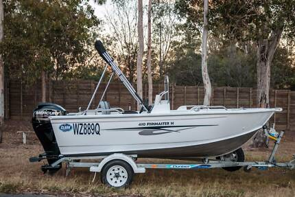 2014 Clark 430 Fishmaster SC Side console 4.30m - only 55hrs!