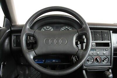 Audi 80 Young Edition 1.8 S