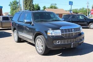 2011 Lincoln Navigator Navigation! Sunroof! Heated and Cooled...