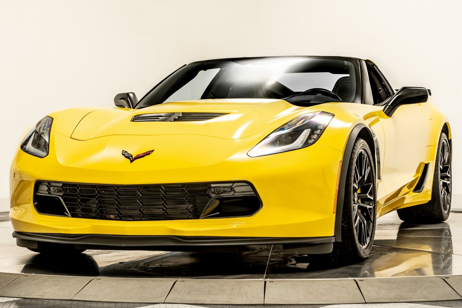 2016 Yellow Chevrolet Corvette Z06  | C7 Corvette Photo 4