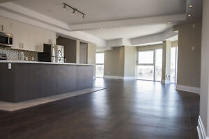 Beautiful 2 story Condo 3 Bed! 2 at Bathurst and 401