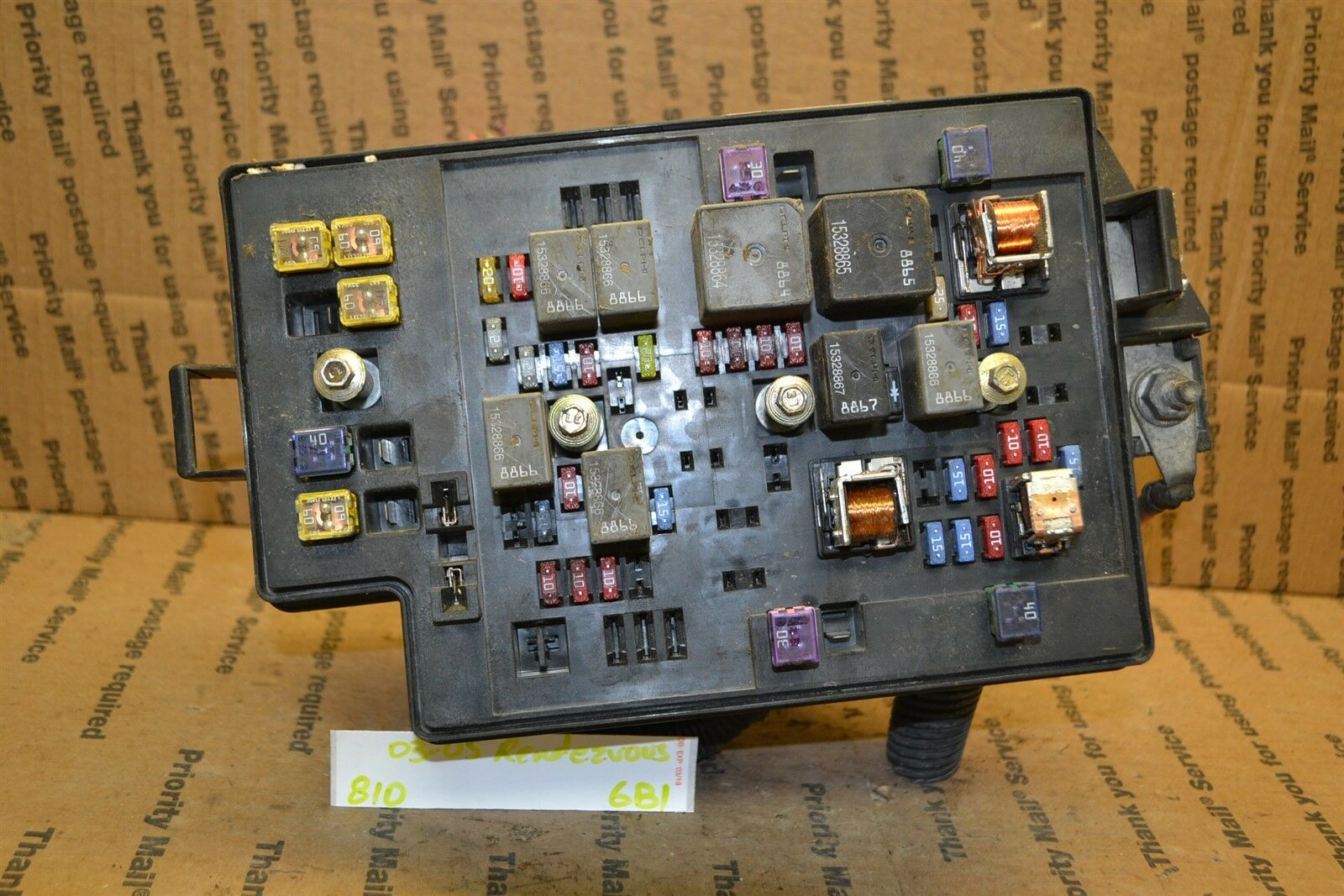 2003-2005 Buick Rendezvous Fuse Box Junction OEM 10338237 Module 810-6B1