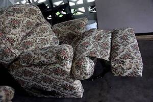Lovely Recliner  Floral Sofas.. Bomaderry Nowra-Bomaderry Preview