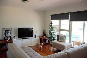 Room for rent Couples welcome - Broadbeach waters Broadbeach Waters Gold Coast City Preview