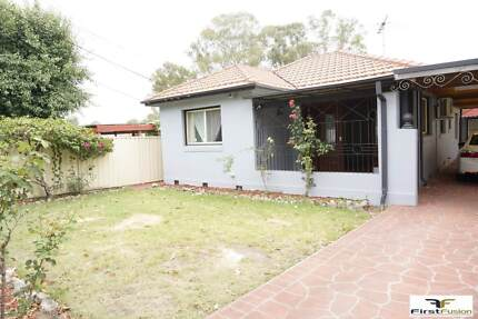 Fantastic Family Home  close to shopping center !!