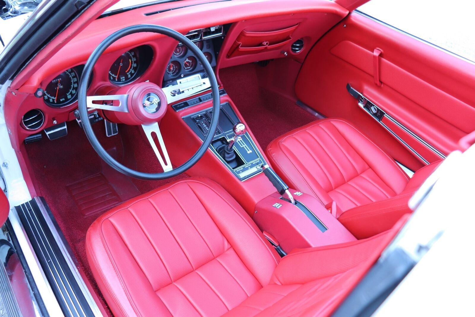 1969 White Chevrolet Corvette   | C3 Corvette Photo 9