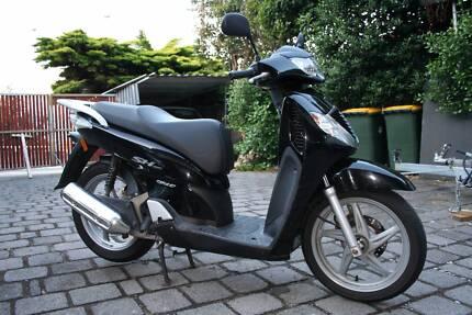 Honda sh150i scooter