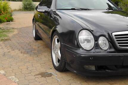 Mercedes CLK430. V8 Coupe
