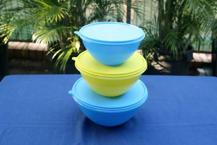 3 Tupperware Bowls with liquid tight seals - Brand New