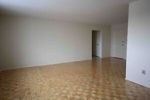 2 Bedroom Apartment Welland - across from park.
