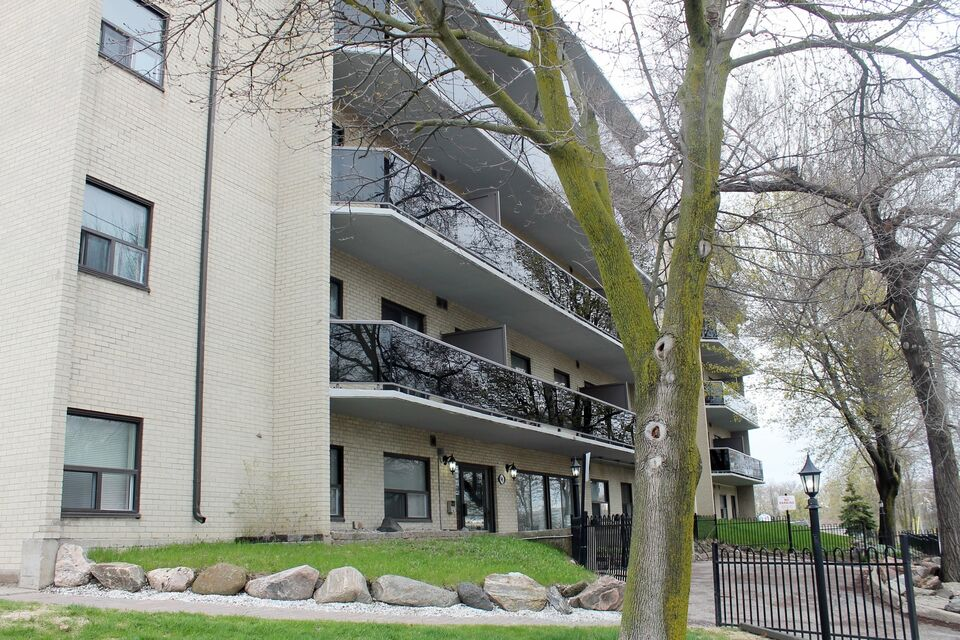 SPACIOUS 1 BEDROOM APARTMENT IN BARRIE | Apartments ...