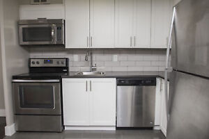 Newly Renovated 2 Bedroom (Erin Mills Pkwy & Sheridan Park Dr.)