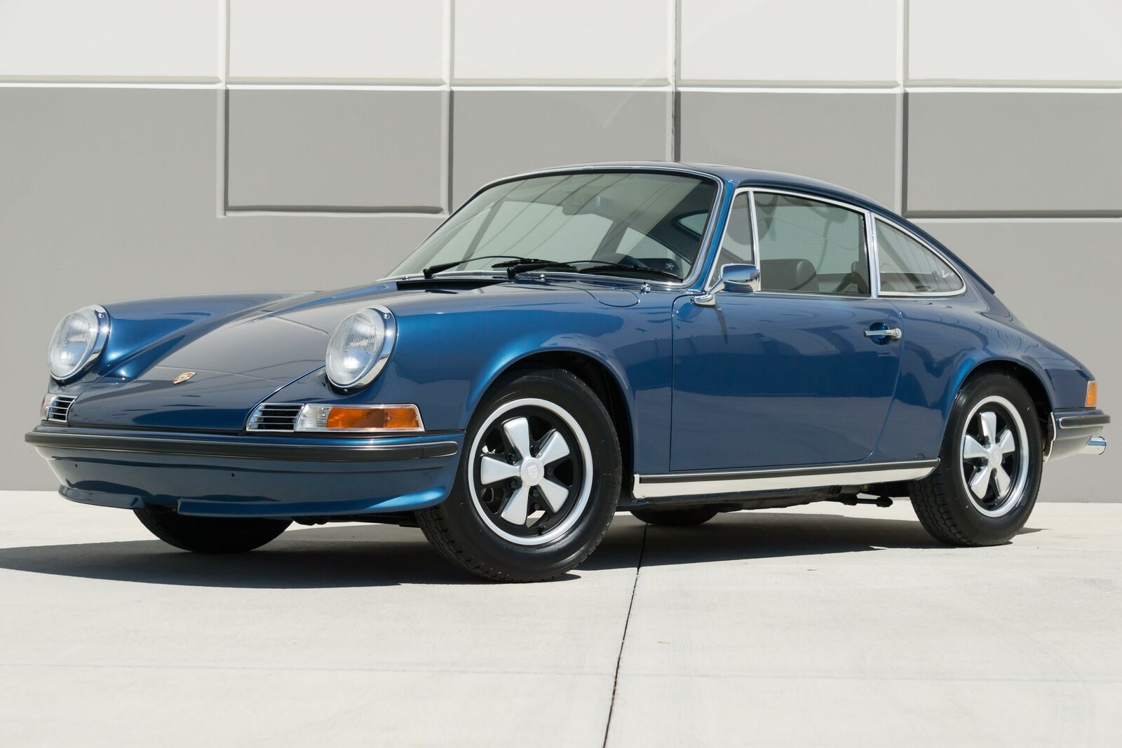 1972 Porsche 911S Sunroof Coupe--Sport Seats--Metallic Blue--Flawless Condition