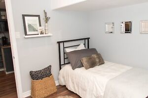2 Rooms Available! - Mohawk College Fennell ave Student Rental