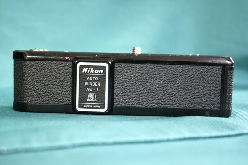 GOOD-Vintage Nikon Auto Winder AW-1 for Nikkormat EL-2 camera