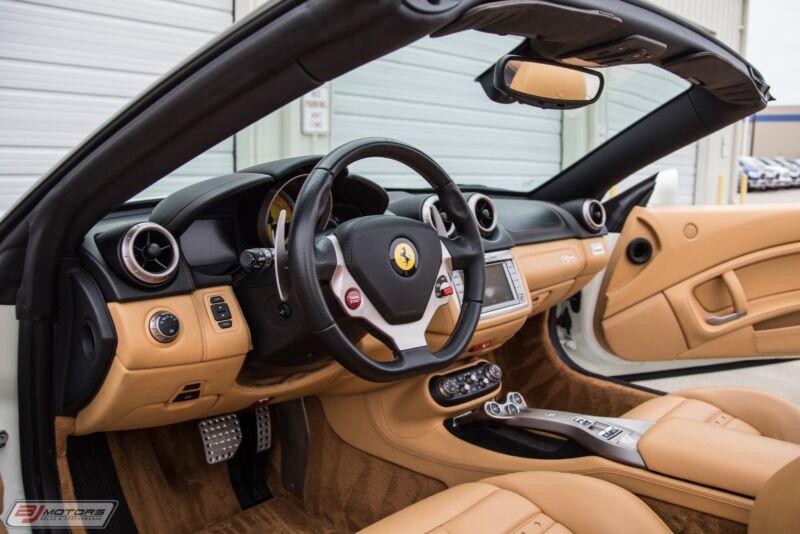 Image 20 Voiture Européenne d'occasion Ferrari California 2010