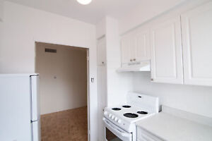 modern 1 bedroom apartment near Downtown with pool, gym, doorman