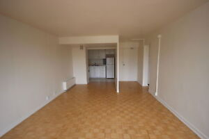 Spacious 3.5 available December - DOWNTOWN - ATWATER