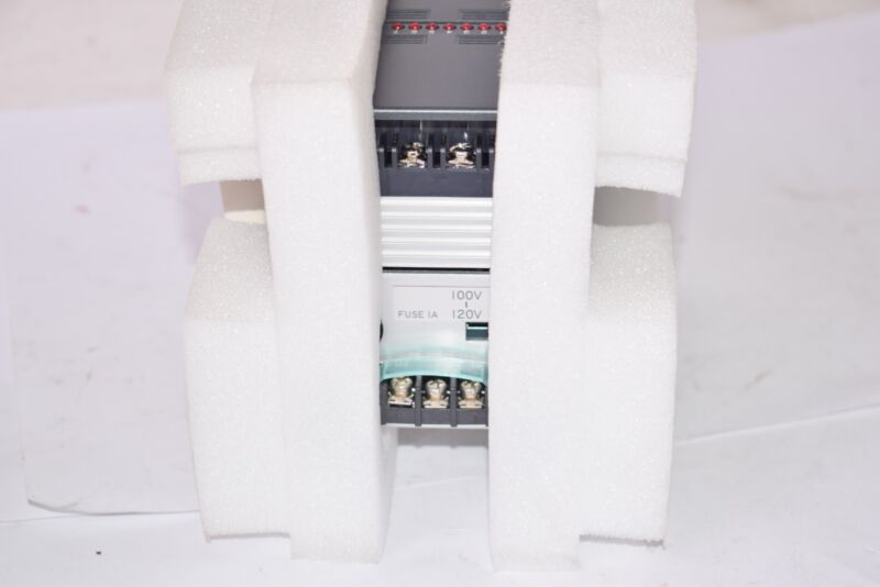 NEW IDEC Type: PEA-1T081 Programmable Controller 100-120V