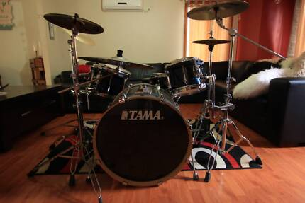 TAMA Superstar 5 Piece Drunkit W/Cymbals, stands, kick and Extras