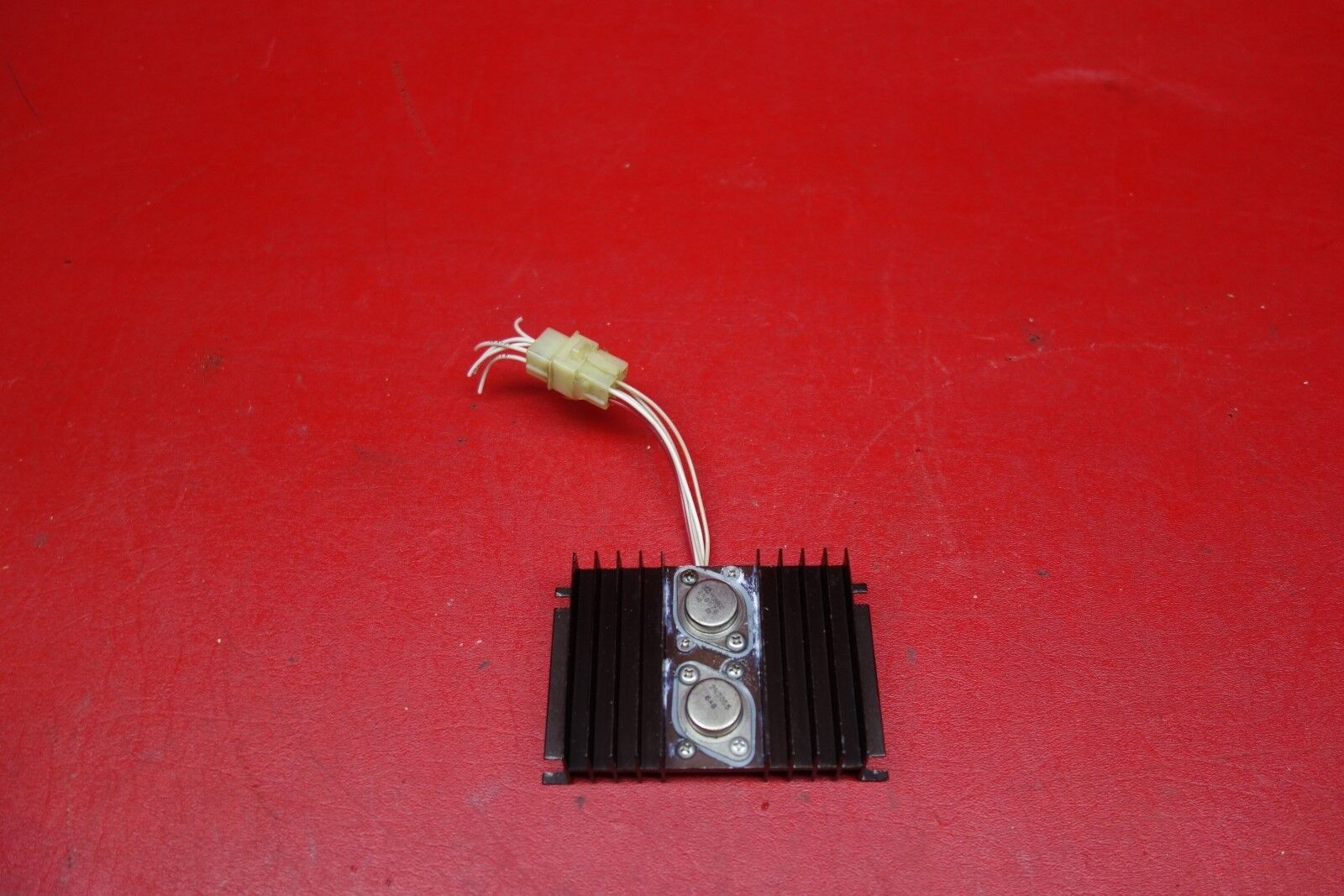 Mospec Voltage Regulator PN 2N6576, 2N3055