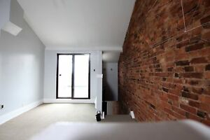 NEWLY-RENOVATED AND ABUNDANTLY SPACIOUS 4 BED