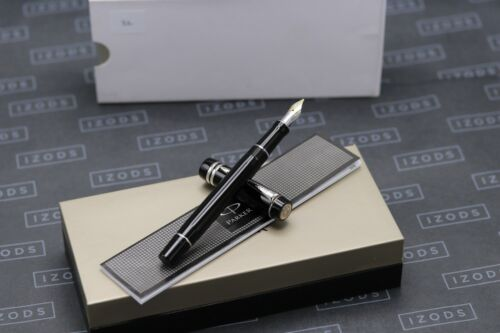 Parker Duofold International Black Platinum Trim Fountain Pen - 2013