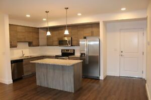 214 - Summer Deal! Free Early Move In! Free Underground Parking!