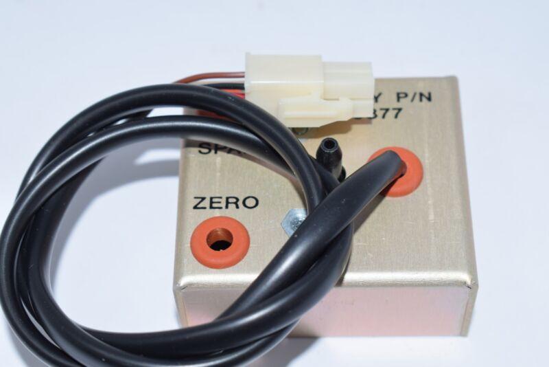 NEW Thermo Scientific 9877 Pressure Transducer 94V-0