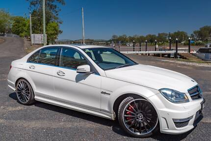 2011 Mercedes-Benz C63 AMG Performance Package Plus Auto 12
