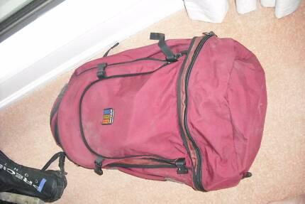BACK PACK  65 LITRE Springwood Logan Area Preview