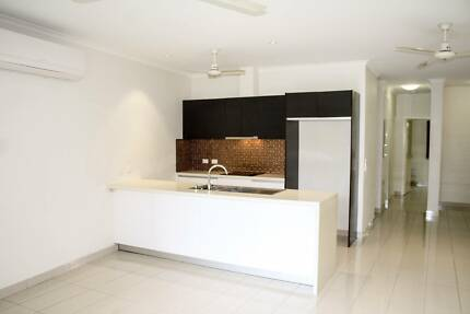 Contemporary unit conveniently located in the heart of Casuarina!