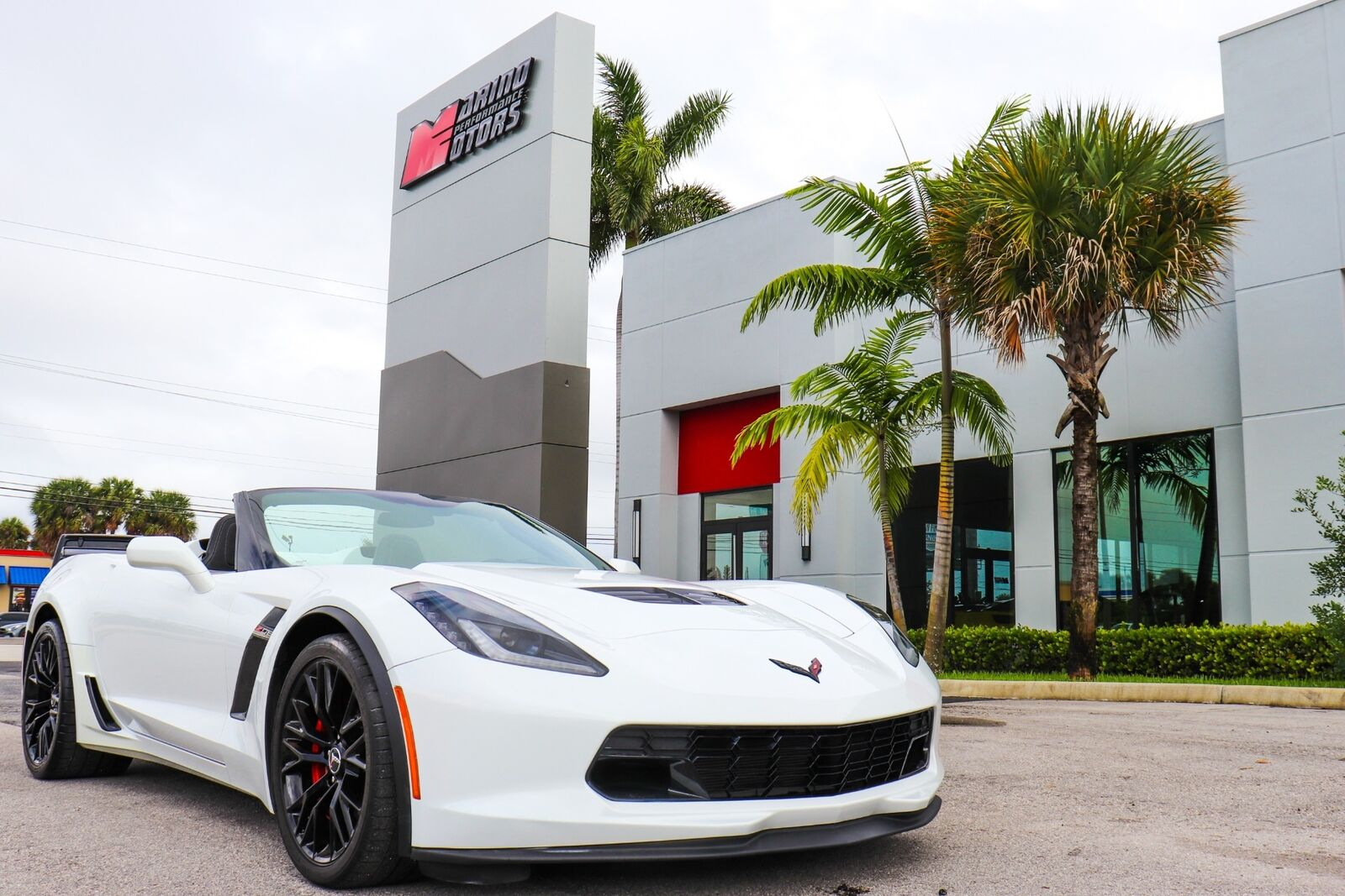 2015 White Chevrolet Corvette Z06  | C7 Corvette Photo 1