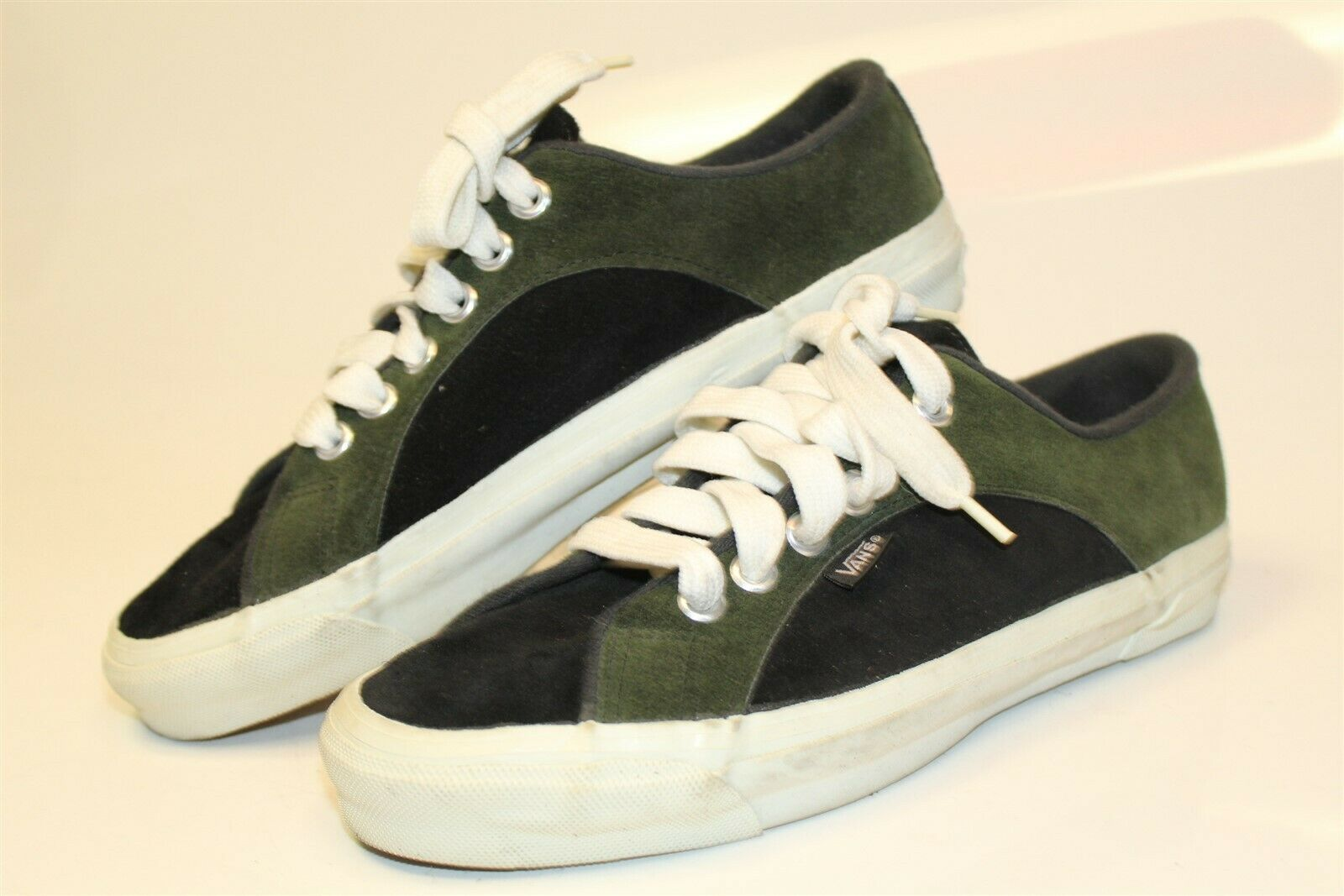 VANS Vintage USA Made 90's OG Rare Suede Leather Skateboard Sneakers Skate Shoes