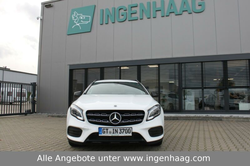 Mercedes-Benz  GLA 180  AMG-Line  LED