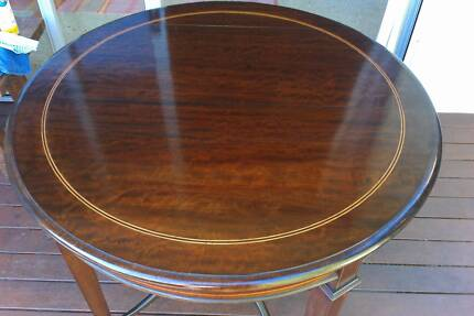 BESPOKE ANTIQUE ROUND TABLE