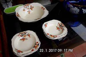 7 Pieces of Fine English Tableware Lge Bowl & 6 Dessert Bowls Set Mansfield Park Port Adelaide Area Preview