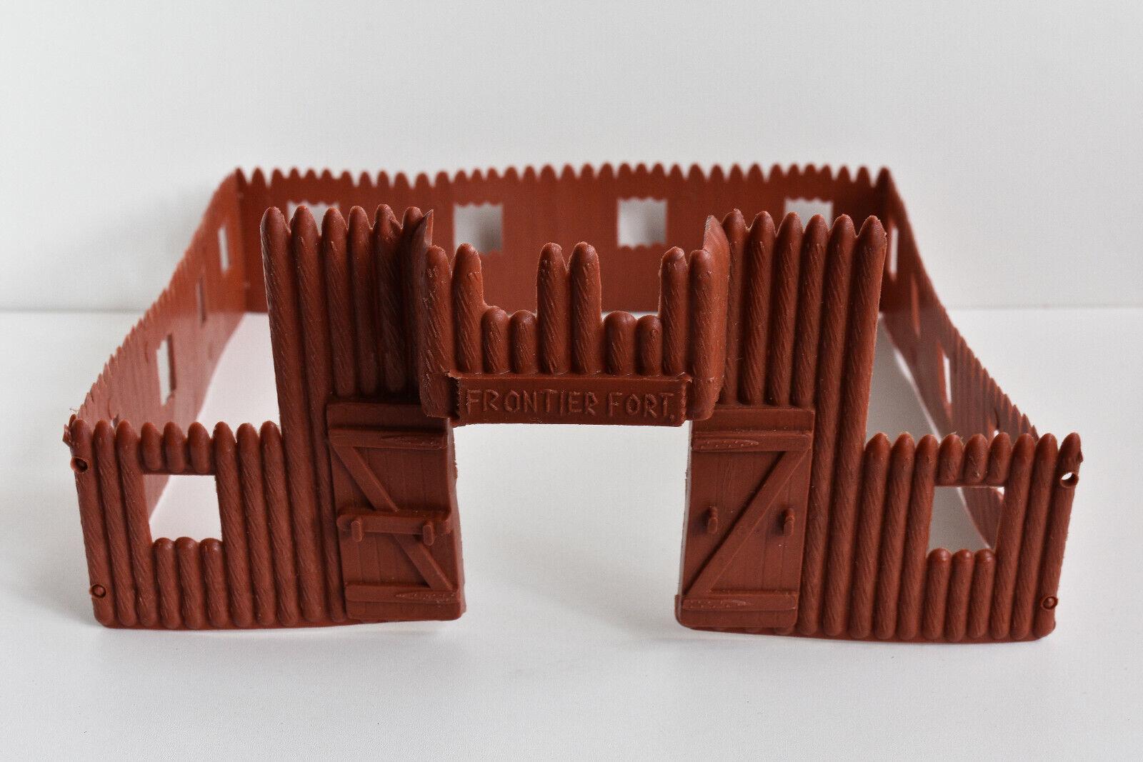 Vintage Wild West FRONTIER FORT Gateway & Palisade Walls Plastic 1:32 RARE