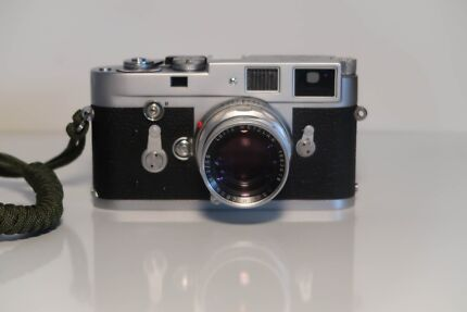 Leica M2 with summicron m 50mm