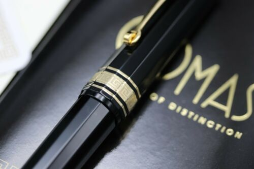 Omas Dama Black Cotton Resin Fountain Pen 4