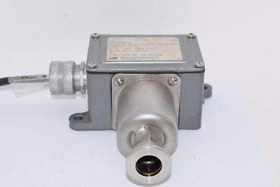 United Electric Controls Ue Type J6 14398 Chamber Pressure Switch
