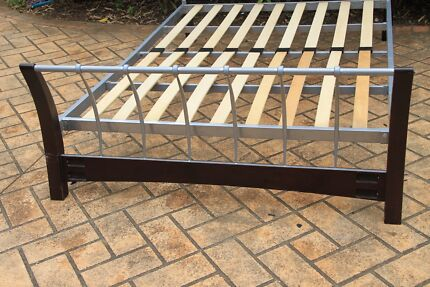 Double Size Wood and Metal Bed , very good condition