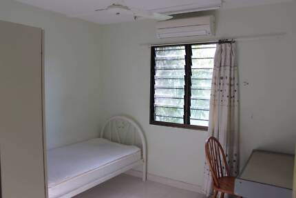 Clean, Quiet Split-air-conditioned room in Nakara