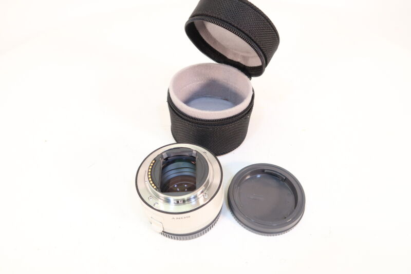 Sony SEL20TC 2.0x Teleconverter Lens for Select Lenses With Case