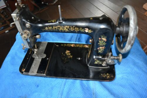 RARE/VINTAGE/ANTIQUE - DAVIS SEWING MACHINE CO-TREADLE STYLE - SEWING HEAD ONLY