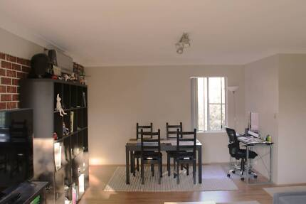 Sunny Room near the beach for rent in Dee why