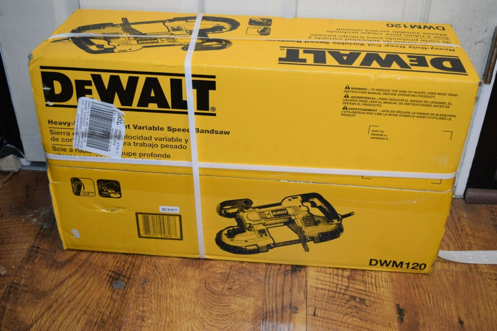 Dewalt Heavy-Duty Corded Deep Cut Variable-Speed Band Saw DW